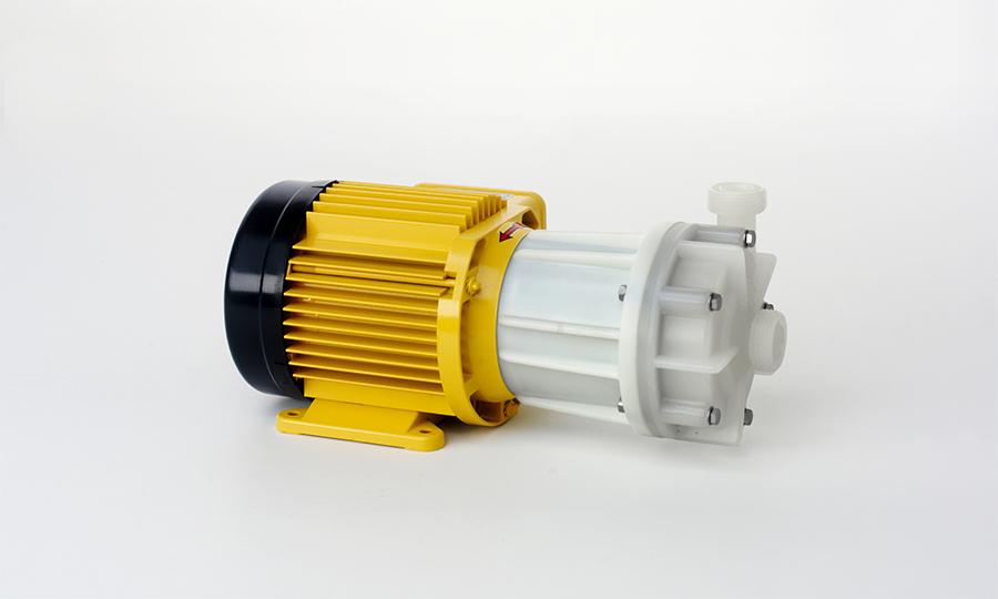 Aircontrol distribuye la Serie P: Bombas de turbina regenerativa no metálicas, herméticamente selladas con accionamiento magnético Schmitt